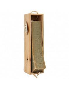 Bar of Savon de Marseille with wire cutter in wooden box, Marius Fabre, 2,5 Kg